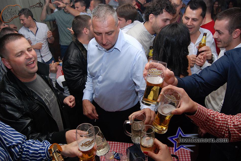 kafanica-jos-po-jednu-loznica-nocu1121